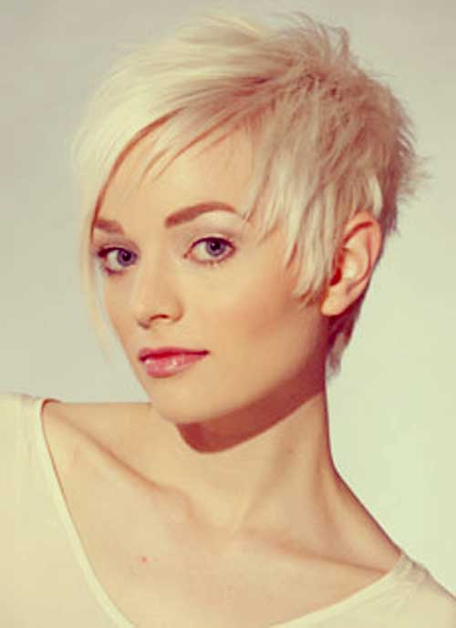 Best Short Blonde Haircuts-3