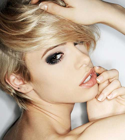 Best Short Blonde Haircuts-9