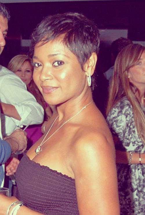 Tamala Jones short haircut