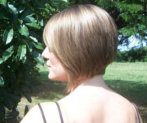 Short bob hair back view