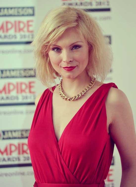 Female celebrities short blonde hair