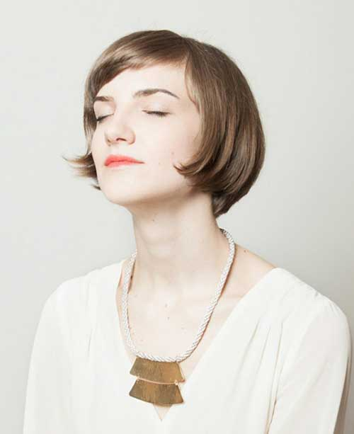 Cute short straight haircut