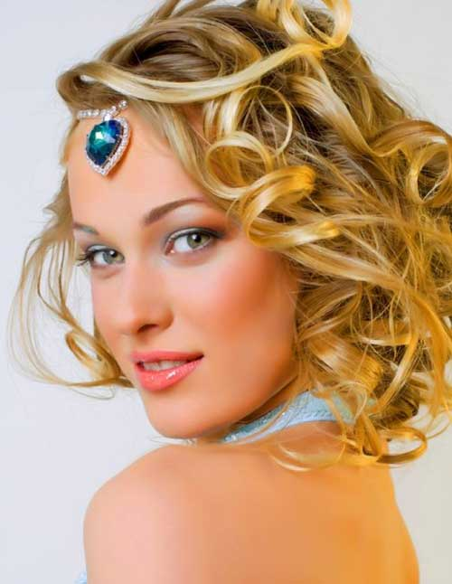 Great hairstyles for short curly hair