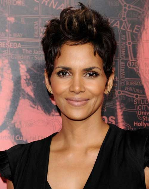 Halle Berry short hairstyle 2013