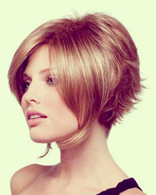 Short inverted bob for fine hair