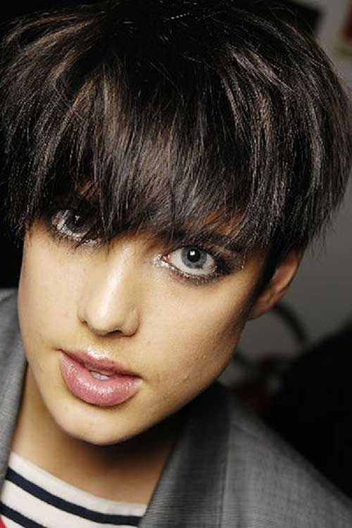 Short Haircuts for Thick Hair-14