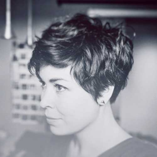 Short Haircuts for Thick Hair-16