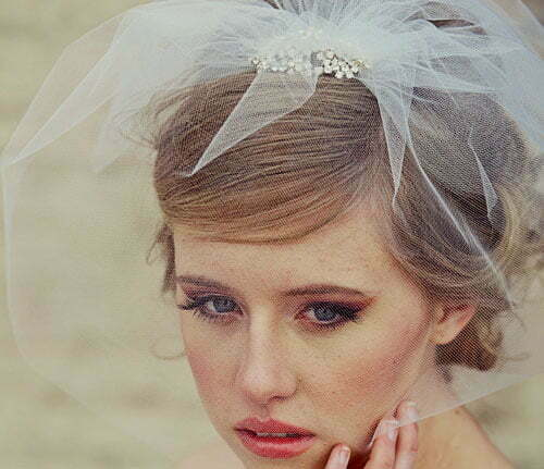 Short Wedding Hairstyles for Women-10