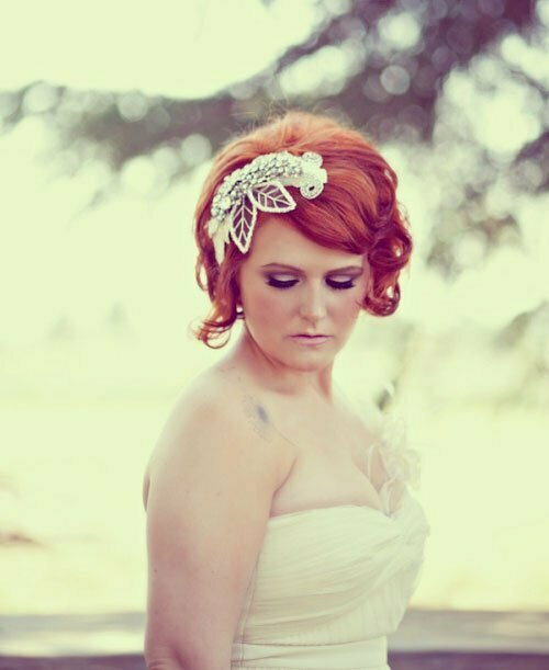 Short Wedding Hairstyles for Women-12