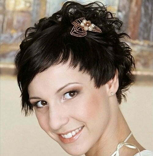 Short Wedding Hairstyles for Women-13