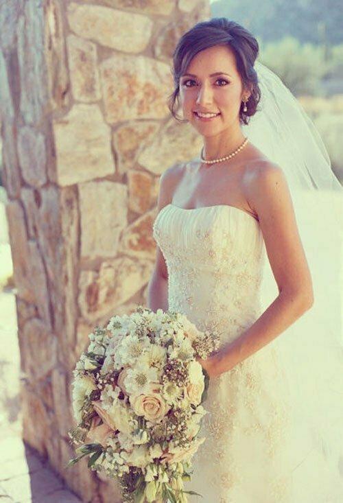 Short Wedding Hairstyles for Women-19