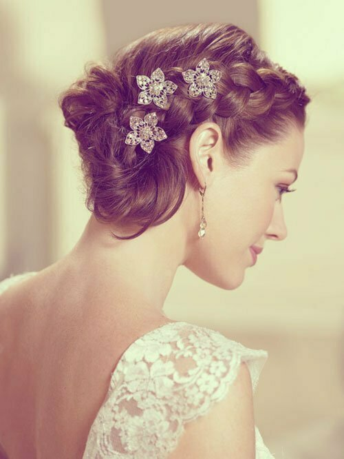 Short Wedding Hairstyles for Women-20