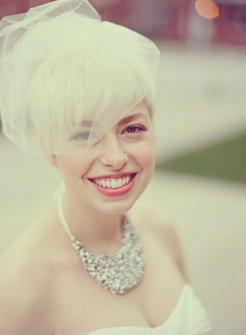 Short Wedding Hairstyles for Women-3