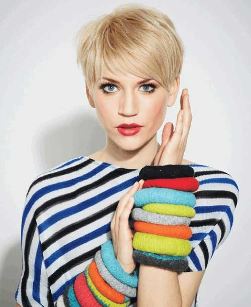 Short blonde pixie hairstyles