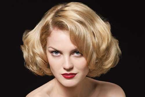 Short blonde wavy hairstyles