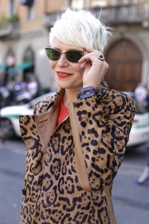 Trendy short grey hair