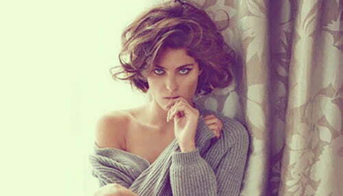 Best Hairstyles For Short Wavy Hair