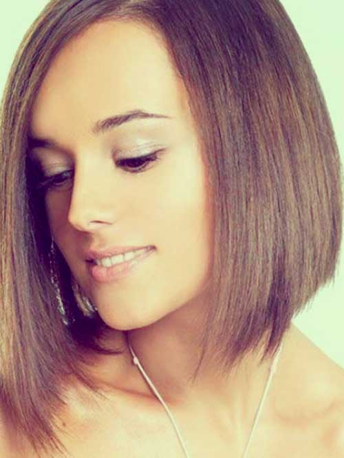 25 Best Short Straight Hairstyles