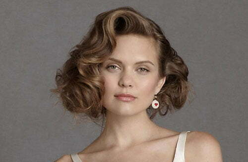 Wedding hairstyles for short wavy hair