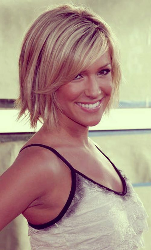 Short trendy blonde haircuts