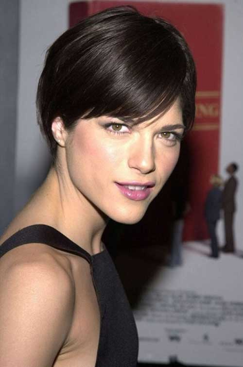 20 Best Short Haircuts for Straight Hair-1