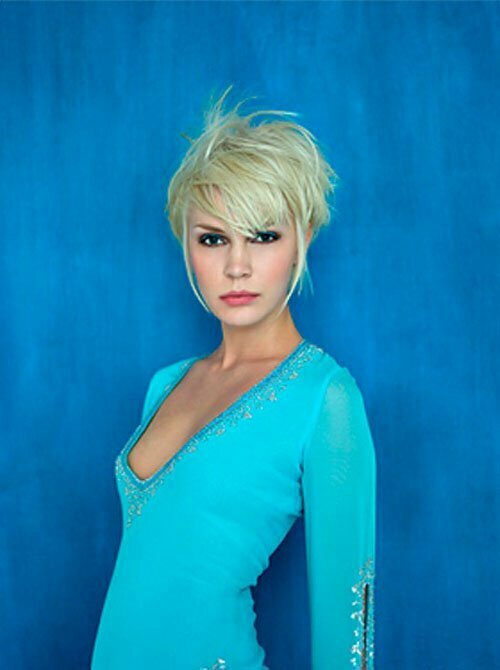 25 Short Hairstyles for Blonde Hair-1