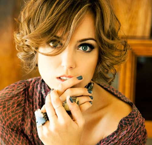 Beautiful Short Curly Hairstyles-4