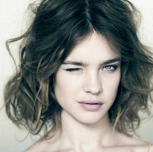 Best Short Haircut for Wavy Hair-4