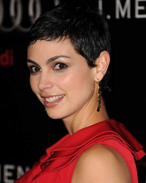 Best Short Haircuts For Curly Hair-13