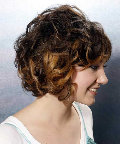 Best Short Haircuts For Curly Hair-14