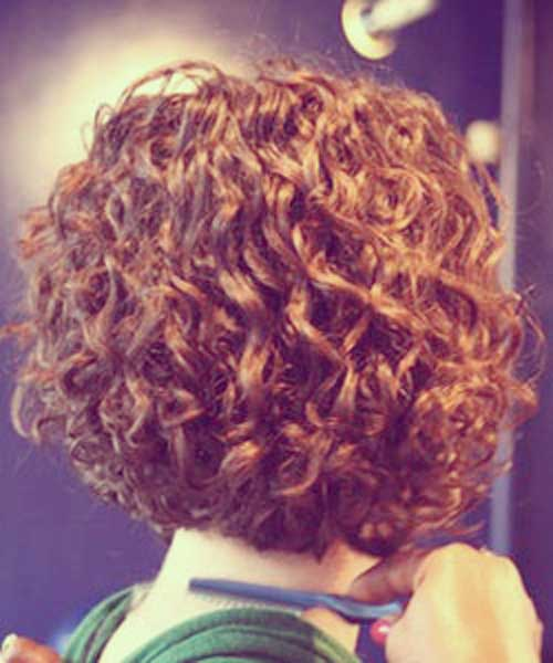 Best Short Haircuts For Curly Hair-3