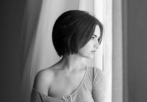 Best Short Haircuts for Straight Hair-7