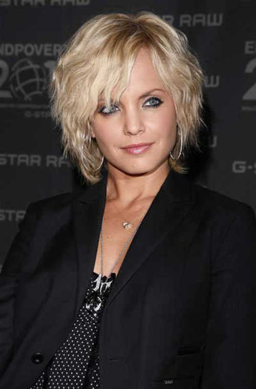Blonde short wavy hairstyles