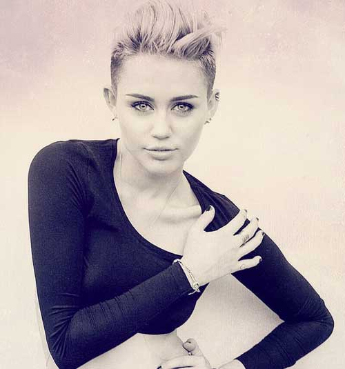 Celebrity Short Hairstyles for Women-11