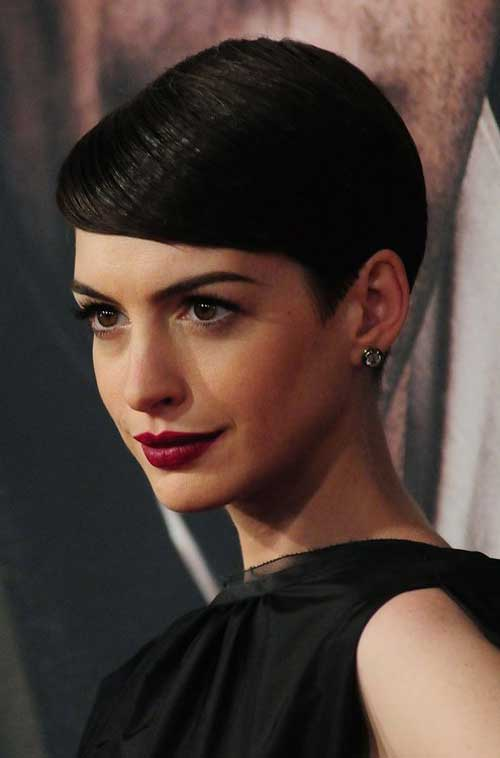 Celebrity Short Hairstyles for Women-12