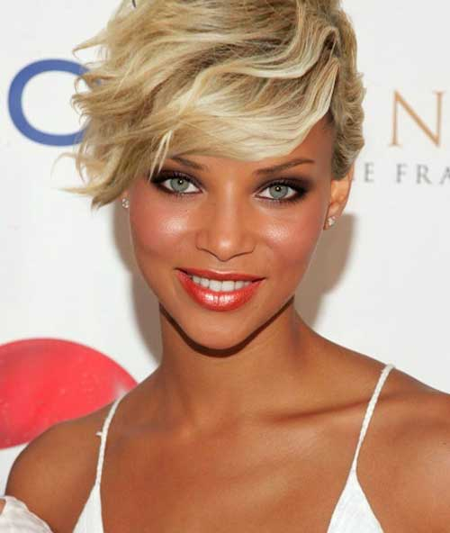 Celebs with short hair and bangs