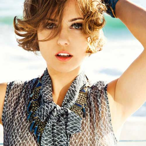 Cool short curly hairstyles