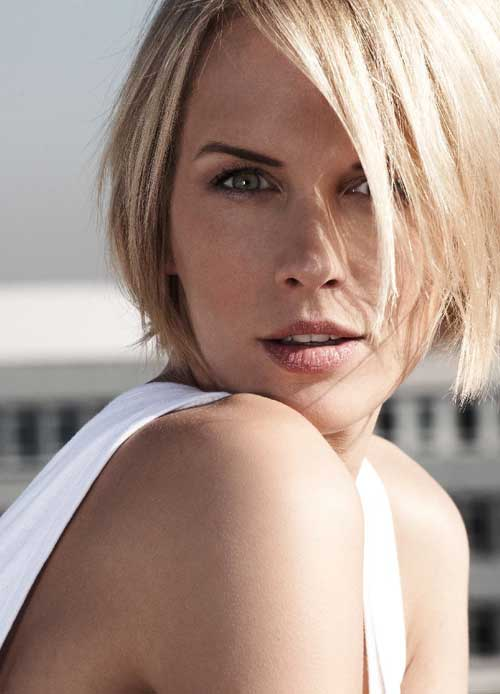 Easy Short Straight Hairstyles-4
