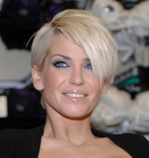 Easy Short Straight Hairstyles-7