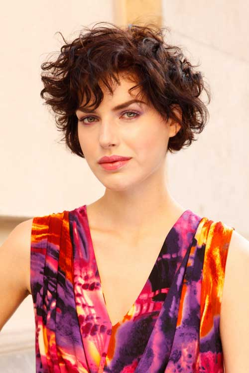 Hairstyles for wavy short hair for women