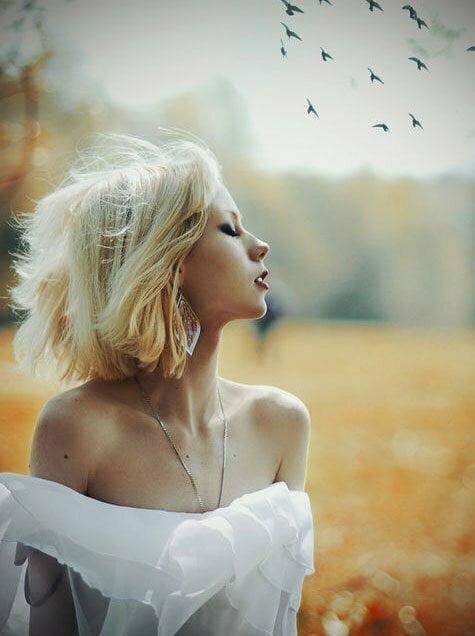 Hot short blonde hair