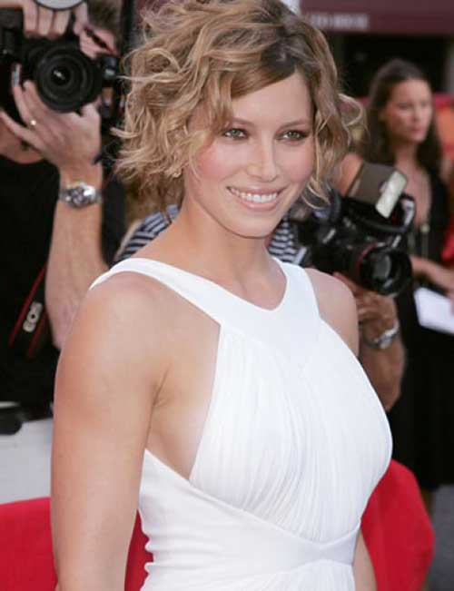 Jessica Biel short curly hairstyle