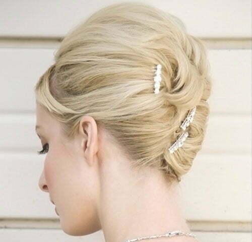 Top 20 Wedding Hairstyles For Medium Hair: Short Blonde Hair For Wedding
