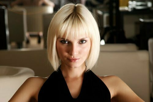 Short blonde straight hairstyles