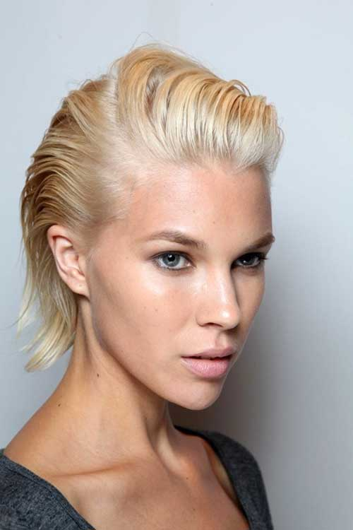 Short blonde summer hairstyle