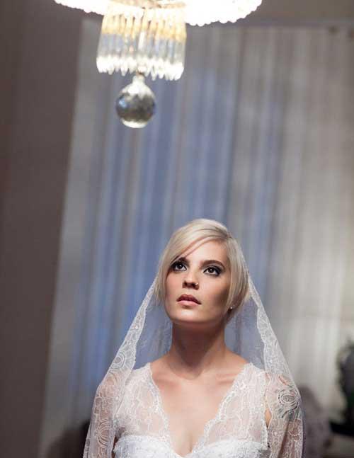 Short straight bridal hairstyles