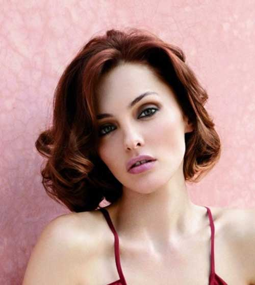 Short hairstyles for wavy hair oval face
