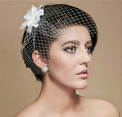 Memorable Wedding: Bridal Veils For Short Hair