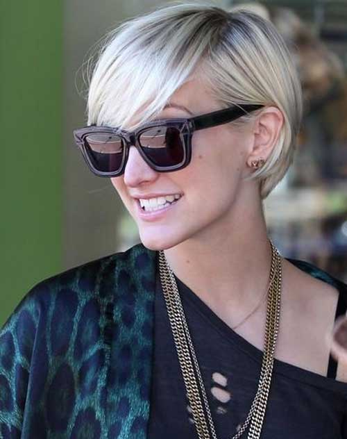 20 Straight Short Haircuts for Women-10