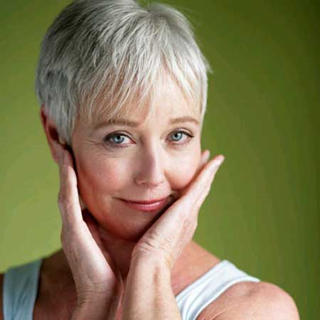 Best Short Haircuts for Older Women-1